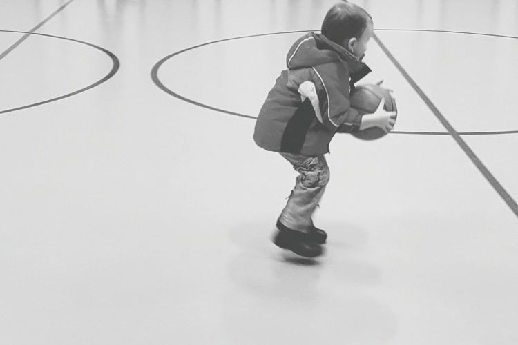 Basketball - Sport Child Sport Court School Building Playing Basketball Hoop Children Only Physical Education Childhood Basketball Player Ball Milenamulskephotography Check This Out Child Playing EyeEm Best Shots - Black + White Eyeem Children Blackandwhite Photography Black&white Toddler Boy 4 Years Old Trying To Learn Jumping Jump Having Fun The Portraitist - 2017 EyeEm Awards