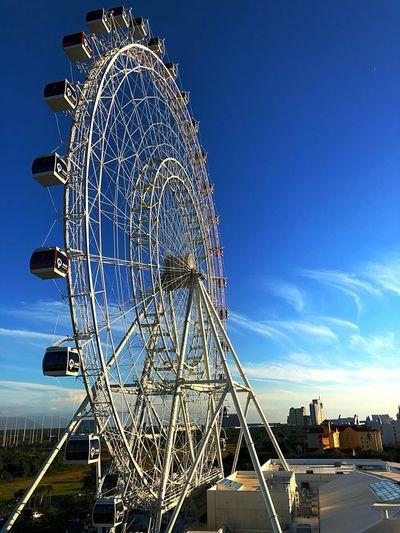 International Drive Orlando Eye EyeEm Selects Amusement Park Arts Culture And Entertainment Ferris Wheel Amusement Park Ride Big Wheel Low Angle View Built Structure Outdoors Sky Architecture EyeEm Ready