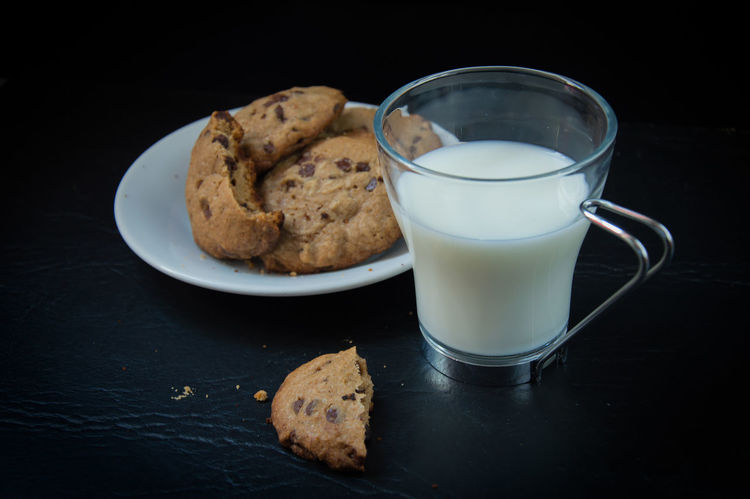Baked Black Background Chocolate Chocolate Chip Chocolate Chip Cookies Chocolate Chips Close-up Cookie Food Food And Drink Freshness Ginger Leche Milk Milky Way No People Ready-to-eat SLICE Sweet Food