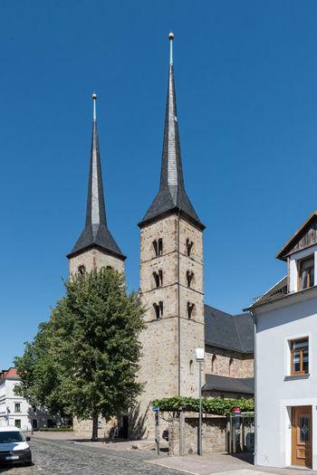 Deutschland Elisabethenkapelle Grimma Historische Altstadt Kirche Stadt Außen Baum Historisches Gebäude Keine Menschen Klarer Himmel Religion Sachsen Tag Türme