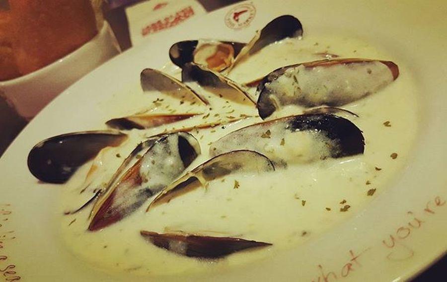 Garlicherbmussels Themanhattanfishmarket Igersmyanmar Igersyangon strandroad yangonfoodie myanmarfoodie picsoftheday yangon