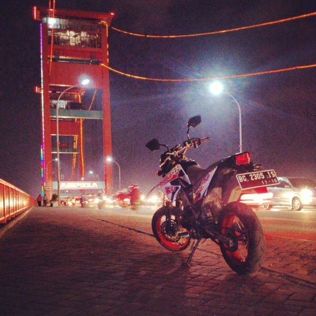 Night Ampera Supermoto