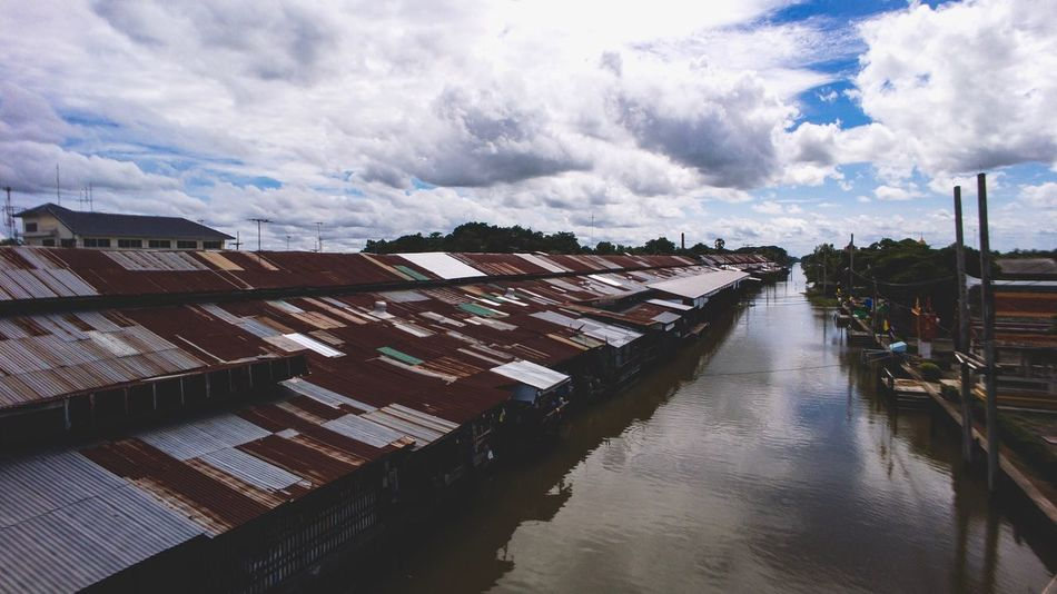 Chachoengsao, Thailand - July 7' 2017 : Talat Klong Suan Roi Pee (100 year-old Klong Suan Market) Negotiable Outdoors Day House Built Structure Old Vintage Floating Market Stall Shopping Thai Sale Sell Holiday