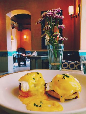 EGGBENEDICT Breakfast Fancy Relaxing Restoration Classicalmusic Flower Table Vase Close-up Food And Drink