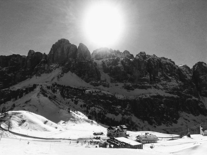 Montagne delle Dolomiti (2) Black And White Dolomites Snow Mountain Winter Sunlight Sun Cold Temperature Sky