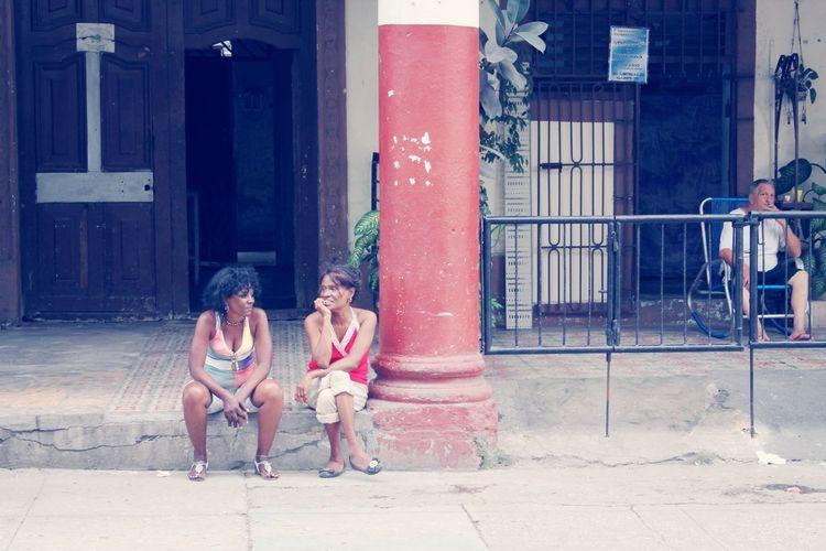 Bochinches Walking Around Cuba Life People Beautiful Surroundings Captured Moment Commuting EyeEm Best Shots People Watching