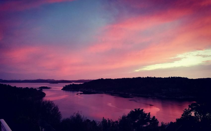 Red Sea Red Sea Red Sky Beauty In Nature Nature EyeEm Best Shots Eyemcollections Calm Sunset Sunset_collection Norway Filter Eyem Collection Cloud - Sky Dramatic Sky Red Water Nature Lover Nice