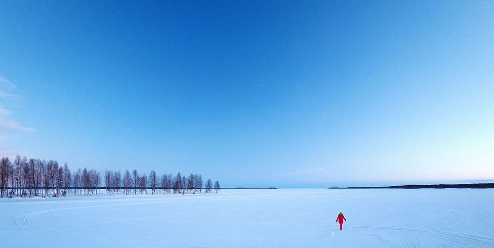 Blue Blue Sky Deepblue Frozen Lake Red Scenario Snow White Break The Mold TCPM The Great Outdoors - 2017 EyeEm Awards BYOPaper! Shades Of Winter An Eye For Travel The Traveler - 2018 EyeEm Awards