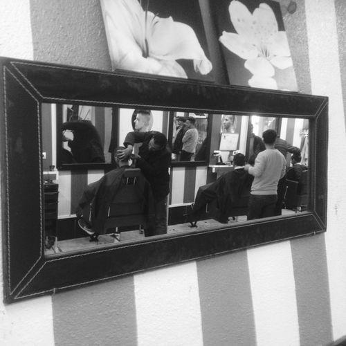 Looking minor's hairdresser Road Valls