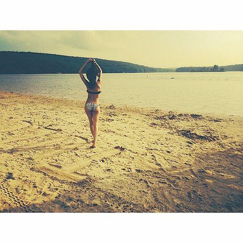 Freedom. Beach Girl View Free