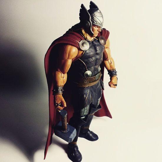 Thor  Odinson Asgard Mjolnir Asgardian Thorodinson Godking Marvel Marvelselect Diamondselect Disney Toy Toyphotography Toypizza Toysarehellasick Toyfan Toyslagram Toyunion Toycollector Toycommunity Toycollection Marveluniverse