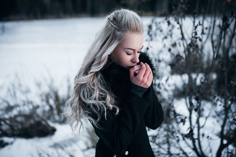 Viking woman on a cold morning. White hair, viking hairstyle. Shot in Romania. #pelephotography Winter Cold Temperature Snow One Person Warm Clothing Hairstyle Long Hair Lifestyles Outdoors Beautiful Woman Viking White Hair Curly Hair Transylvania Romania Hands Hand Portrait Cold Morning Morning
