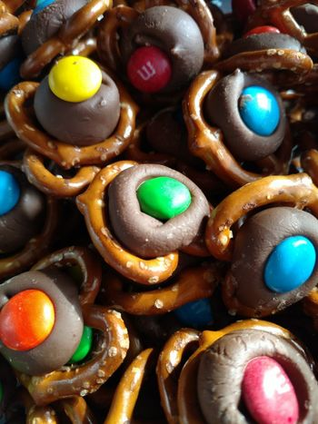 JUNKFOOD Yummy♡ Pretzels Chocolate♡ Salty And Sweet Enjoying Life Time With Family Christmas Time