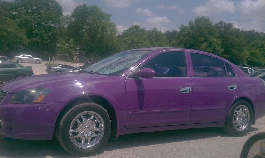 dus car is a pretty purple♥♡