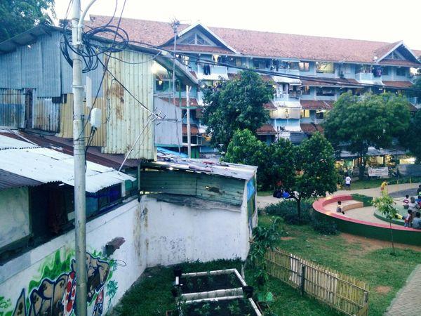 Jakarta Slums Urban City City Oneplusphotography Oneplusonephotography Oneplusone Slumarea Jakartaphotography Jakartastreetphotography Jakartalife Jakarta Pusat