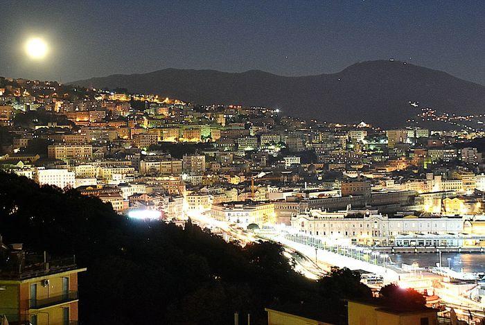 Genova la notte della grande Luna Night Illuminated City Nightlife Genova PortoSky Ig_genova Genovamorethanthis Liguria Liguriaterraleggiadra Ligurianelcuore First Eyeem Photo