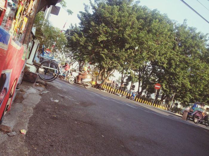 jalanan d pagi hari