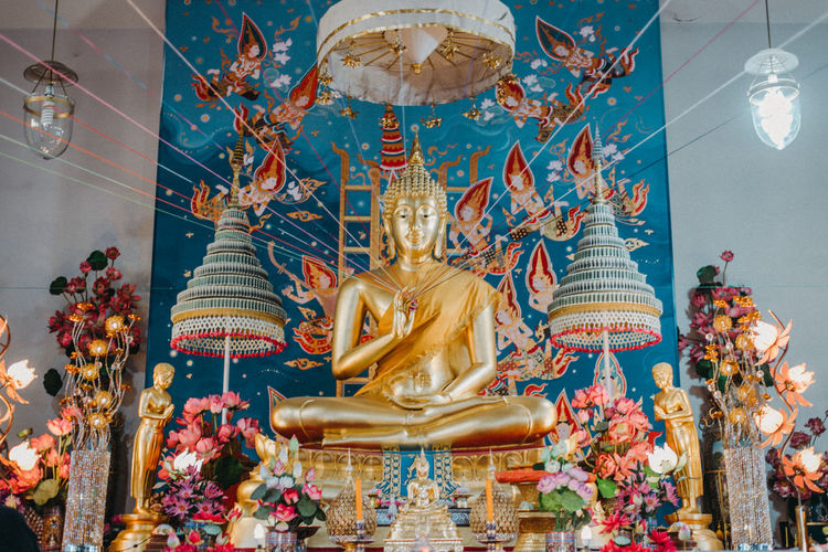 Thai Thailand Architecture Art And Craft Belief Building Built Structure Ceiling Creativity Gold Colored Human Representation Idol Indoors  Male Likeness No People Ornate Place Of Worship Religion Representation Sculpture Spirituality Statue