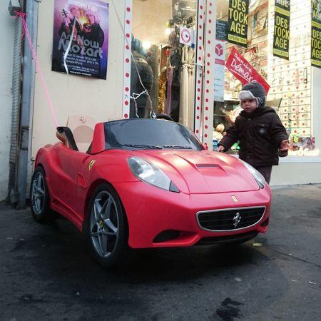 À 3 ans et demie j'avais deja ma Ferrari