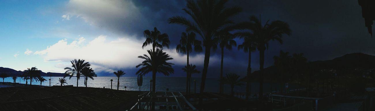 Despidiendonos de la tormenta. Sea Pretty Colors Nature Beach Sky Nature Photography Relaxing Clounds And Sky Mountains