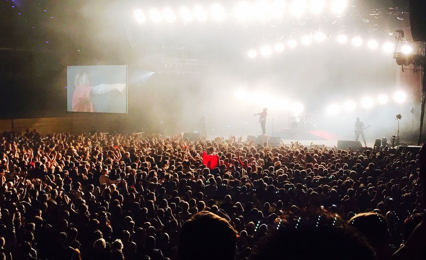 Red Flag / Billy Talent Billy Talent Music Redflag Large Group Of People Crowd Audience Arts Culture And Entertainment Real People Men Illuminated Music Performance Music Festival Popular Music Concert Stage Light Nightlife Fun Youth Culture