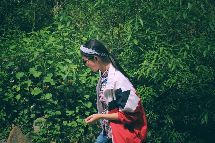 Green Color One Person Growth Outdoors Tree Nature Real People Day Plant Lifestyles Standing Leaf People Women Adult Adults Only Only Women Young Adult One Woman Only The Great Outdoors - 2017 EyeEm Awards