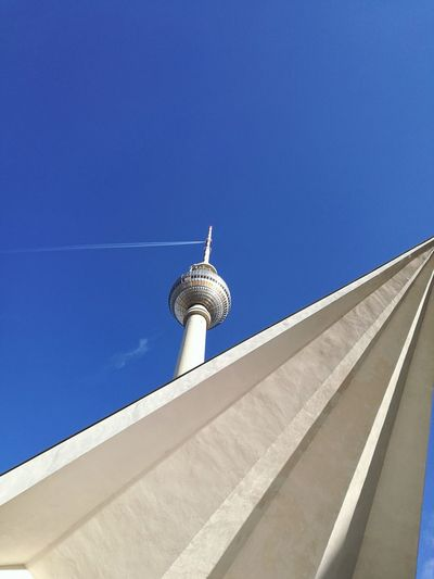 Berlin Alexanderplatz Sky Berlinerfernsehturm Architecture Blue Airplane Tower Discover Berlin The Graphic City Go Higher