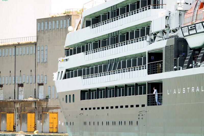港風景 : 週末 今月3回目の入港🛳 5/27 ロストラル ⚓️ EyeEm Gallery Light And Shadow FUJIFILM X-T1 EyeEm Best Shots Fukuoka Fujifilm_xseries Taking Photos Ship Cruise Ship Kitakyushu Harbor
