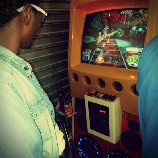Gamer Guitarhero Joystick Fliperama Game Rock Rockstar Momento ROCKSTAR. P.s: Slash q se cuide.