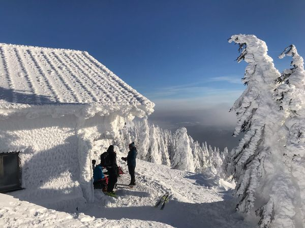 Hütte Sunlight Nature Sky Snow Real People Day Leisure Activity Cold Temperature Winter Outdoors