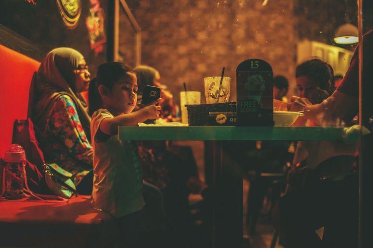 New Generation HUAWEI Photo Award: After Dark Happy Hour Friendship Alcohol Drink Men Togetherness Nightclub Wind Instrument Musician Sitting