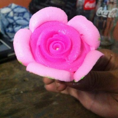 In a color of pink, think got a flesh of little gorgeous! Pinkflower Thanks @iprncsscthrine nabusog mo kami ang sarap . Yum yum . Haha Hobodo uli . More bday to come . Mhuaa :*