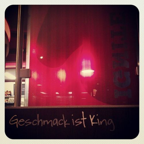 Geschmack ist King Igaddict Brown Instamillion Picoftheday Igersgermany Followme Igersstuttgart Instamood Eavig Earlybird Igerskarlsruhe Igers Burgerking Bk Instagramers Lights Androidonly Ambient Wall Instagood Red Statigram Saturdaynight Instagramhub Bench Webstagram Android Earlybirdlove Photooftheday Instagreat