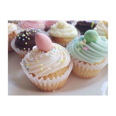 Mini eggs + mini cupcakes = 😍 Vscocam Cupcakes Cadburyminieggs Sweets Chocolate Food Foodporn Dessert Easter