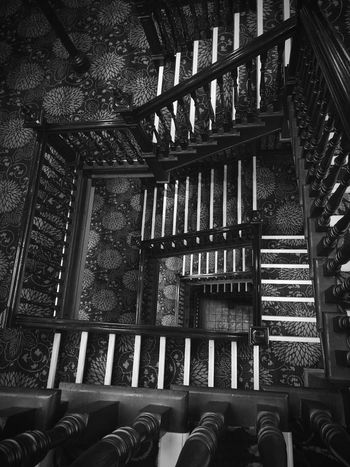 Staircase Staircase Perspective Black And White Carpet Vertical Symmetry Lines Architecture Interior Spiral Staircase Hand Rail Stairs Stairway