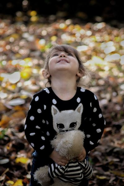 One Person Child Offspring Childhood Front View Nature Looking Up Girls Eyes Closed  Hair Standing Waist Up Head Back Portrait Autumn Outdoors Innocence Hairstyle Nina Otoño 🍁 Beauty In Nature Leaves This Is Natural Beauty