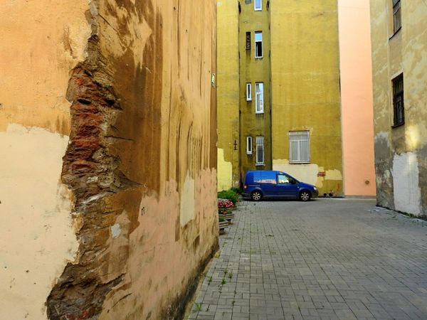 Colors Of Sankt-Peterburg Streetphotography Car St.Peterburg Yards My Year My View Always Be Cozy Street Colors The Walls Fifty Shades Of Yellow Sankt-Petersburg Russia