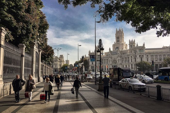 Short waking in #Madrid before going back home... Theway Facesandplacesofthecamino CaminodeSantiago Pilgrimage SPAIN The Way Forward Jakobsweg Documentary Photography Camino De Santiago España Madrid Plaza De Cibeles Madrid Embrace Urban Life Neighborhood Map