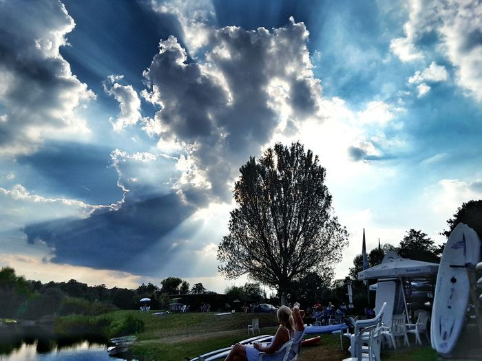 Clouds And Sky First Eyeem Photo Lakeshore Beach Life Surfboard Tree Landscape Summertime A Storm Is A Brewing Before Sunset Dramatic Sky Kinzigsee Germany🇩🇪