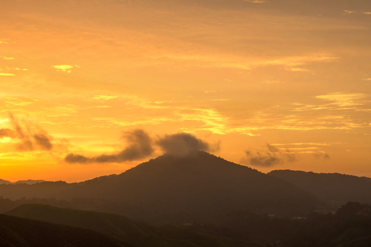sunset, orange color, beauty in nature, nature, tranquil scene, tranquility, mountain, sky, scenics, outdoors, landscape, no people, day