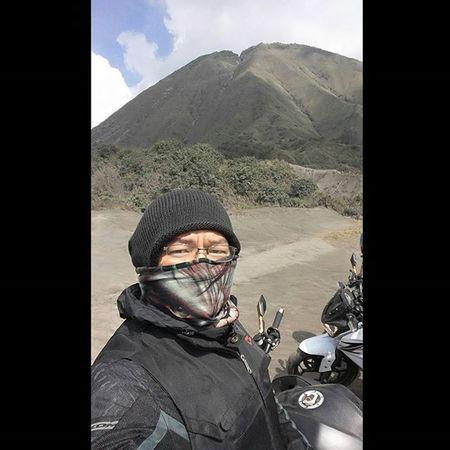 Mountain Bromo Sandsea Motorcycle Kawi Kawination Kawasakiz250 Kawasaki Z250 Nakedbikenation NakedBike Ixs Eatsleepshift🔃 Komine Contin Hulk Buff LGG4 LG  G4 Val  2016 😚 RideOrDie