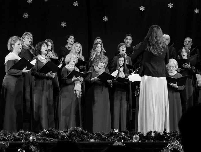 Choir Concert Singers Stage Stage Light Choir  Female Likeness Human Representation Large Group Of People Male Likeness People Real People