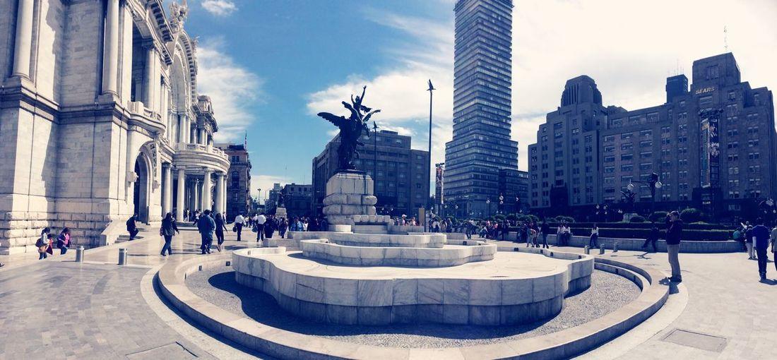 Increíble vista desde el Palacio de Bellas Artes mirando hacia la torre Latinoamericana Cdmx Trip City