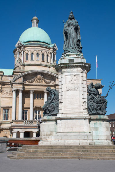 Hull city hall with statue in Foreground City Hall Hull Hull City Of Culture 2017 Yorkshire Architecture Building Exterior Built Structure England Kingston Upon Hull Sculpture Statue Travel Destinations Uk