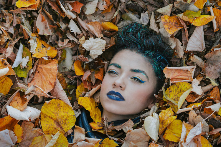 Winter is coming. Damn serie, no season this year. Portrait Of A Woman Women Colors Colours Autumn Leaves Portrait Young Women Beauty Leaf Beautiful Woman Multi Colored Close-up Fall Leaves Autumn Autumn Collection Fallen Leaf Leaf Vein Fragility Fallen Dried Season  Autumn Mood