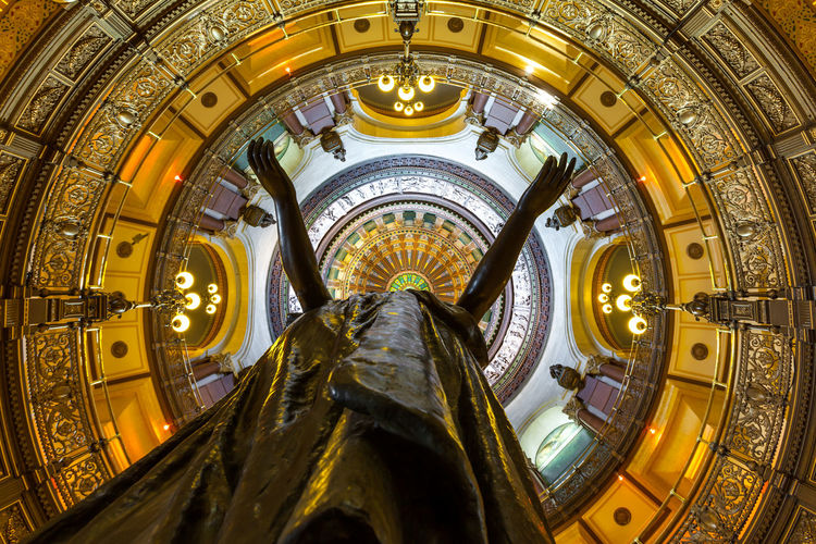 Illinois State Capitol Government Oculus Rotunda State Capitol Architecture Building Interior Built Structure Domestic Animals Gilded Gold Colored Government Human Representation Illuminated Lift Me To The Sky Lift Me Up Low Angle View Ornate Representation Sculpture Springfield, Il Statue Tourism Travel Travel Destinations Watching Up