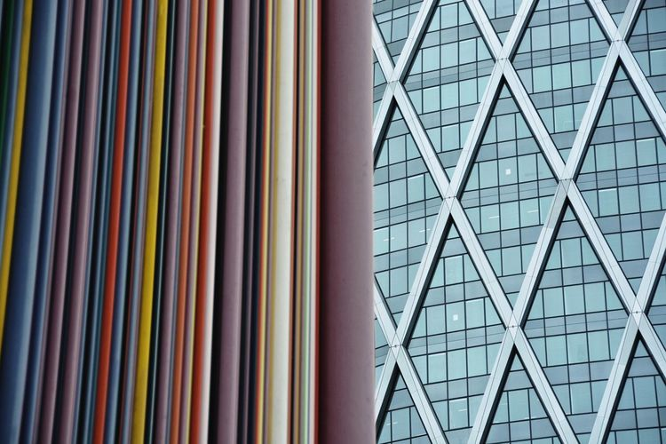 Juxtaposition in the Business District. Juxtaposition Contrast Textures And Surfaces Urban Design Architecture Urbanity Design ArtWork Colors Building Exterior Your Design Story TakeoverContrast Break The Mold Mix Yourself A Good Time