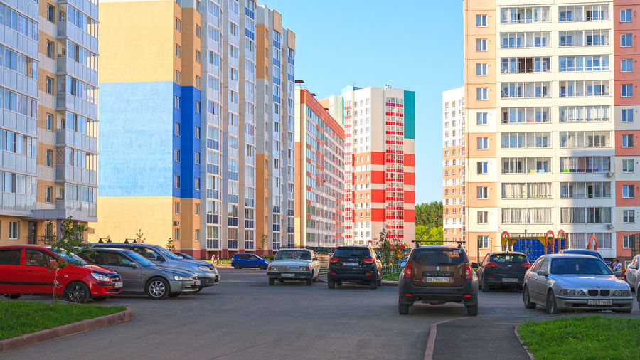 New residential district in Kemerovo city. Cars Residential Buildings Architecture Block Of Flats Blocks Of Flats Building Building Exterior Built Structure Car City City Life Kemerovo Modern Residential Area Residential District Siberia Street