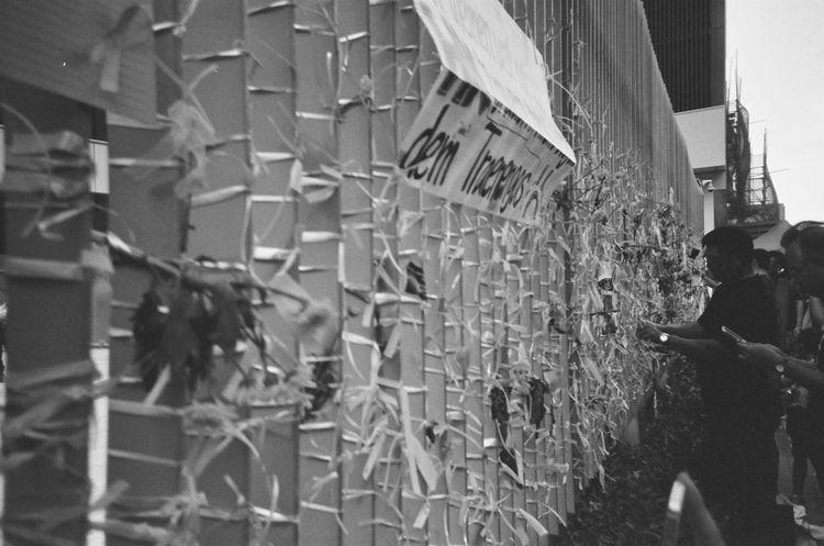 this is our history, fight for democracy #2014 #Filmcamera #History #Memories #Unity #blackandwhite #democracy #fightforyourrights #film #filmphotography #hongkong #hongkongers #hongkongnese #human #loveandpeace #ourtimes #photography #photoshoot  #powerof #throwback #umbrellarevolution #wemadehistory #whatwedo