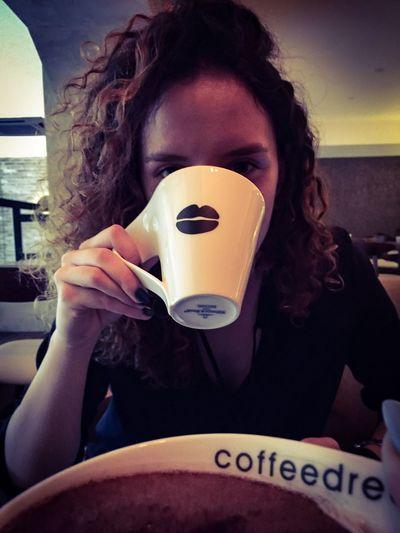Vreme je za čaî, i to čokolandi! Nadjoh malo savršenstvo u Coffeedream . ☕️❤️ Coffee Time Coffe Tea Tea Time Cup Of Tea Cup Of Coffee Cup View Belgrade Belgrade,Serbia